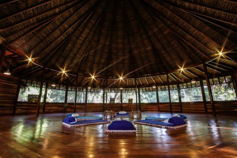 «Мир целителей амазонки» — путешествие в мир Курандерос Шипибо